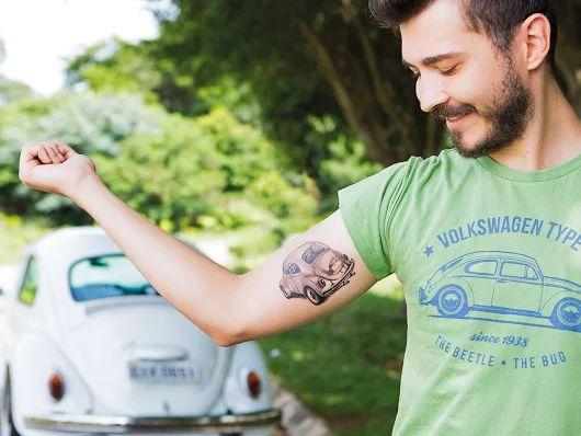 O Fusca se chama Zé, e o Gabriel é o apaixonado que topou eternizar o amor que tem por ele. Conheça essa ótima história em matéria da Volkswagen Magazine: meuvw.vc/2ayoj4Z