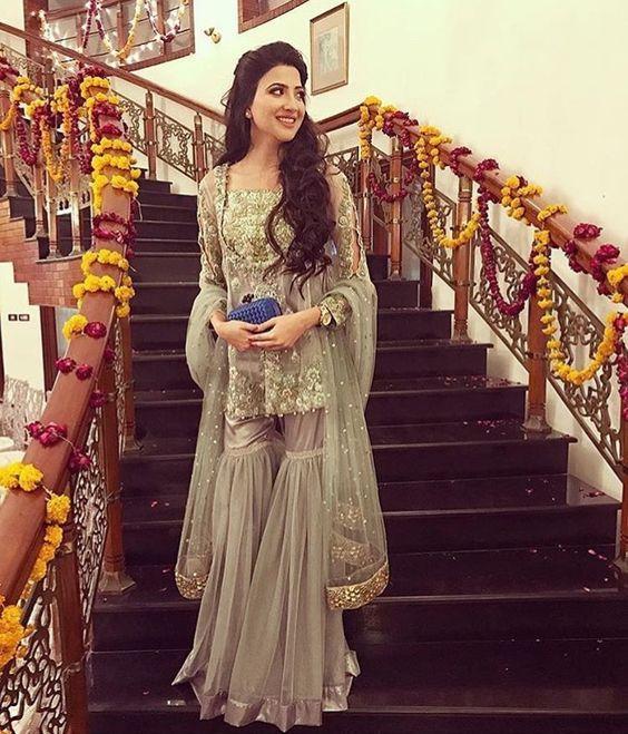 Latest Pakistani Fashion Wedding Guest Dresses 2018 Beststylo Com Fashion Gharara Designs Pakistani Outfits