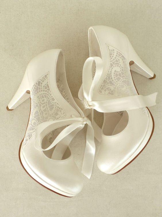 Hochzeitsschuhe Brautschuhe mit Elfenbein von KUKLAfashiondesign