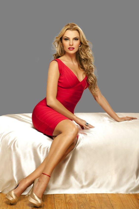 marjorie de sousa bikini 2013 | Telenovelas Hoy: Marjorie de Sousa luce espectacular en un vestido ...