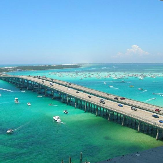 Destin Fl: CRAB ISLAND, DESTIN FLORIDA..... Here's To Floating Hotdog