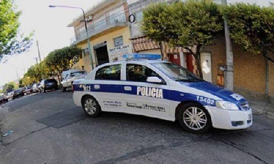 Mirador Virtual Mar del Plata [MAR DEL PLATA] Asaltaron a un taxista y le quemaron su vehículo   http://www.miradorvirtual.com/index.php/mar-del-plata/2579-asaltaron-a-un-taxista-y-le-quemaron-su-vehiculo