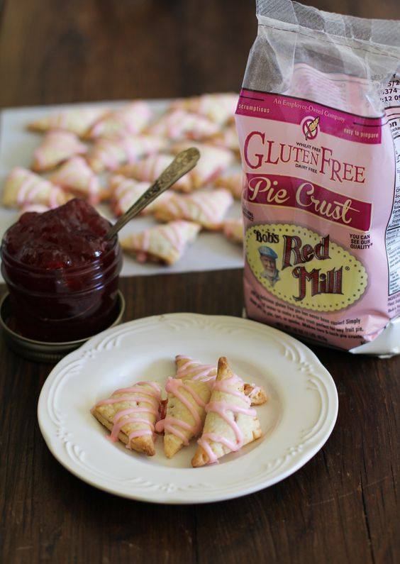 GF Strawberry Pocket Pies | Bob's Red Mill http://www.bobsredmill.com/pie/recipes.php#pocket-pies