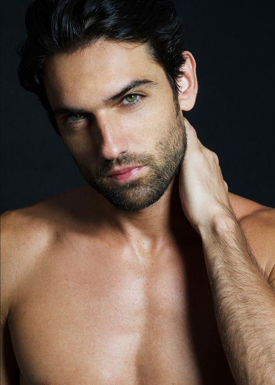 Pin By Mish Sublett On Men Brunette Dark Hair Black Hair Blue Eyes Guys With Black Hair Black Hair Green Eyes