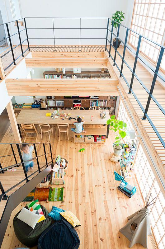 大きな吹き抜けは 重力換気が上手く働くようにする役目も ロフト設計 とても小さな家 デザイン ハウス