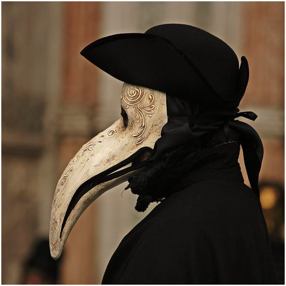 (Medico della Peste plague mask, 17th century Venice):