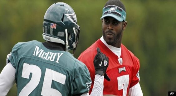 LeSean McCoy Says Michael Vick Cheated In Race- http://getmybuzzup.com/wp-content/uploads/2013/05/r-MCCOY-VICK-large570-600x330.jpg- http://getmybuzzup.com/lesean-mccoy-says-michael-vick-cheated-in-race/-  LeSean McCoy Says Michael Vick Cheated In Race The plot thickens. Philadelphia Eagles running back LeSean McCoy told reporters on Monday that quarterback Michael Vick cheated to beat him in a 40-yard dash earlier this month.  As previously reported by Mike Florio of ProFoot