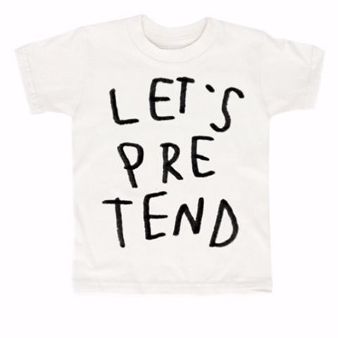This T-Shirt from @kidandkind would be a really cute present for a friend. #wolfandfriends #kidsfashion #play