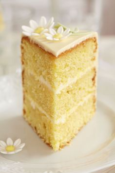 Limoncello cake with lemon buttercream frosting
