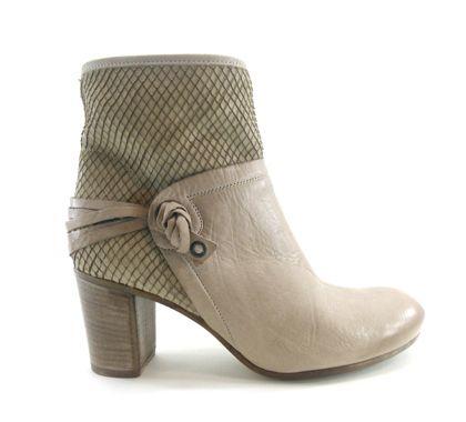 141d1808 par : Manas | Bottes / Bottines chez ChaussuresCaractères.com