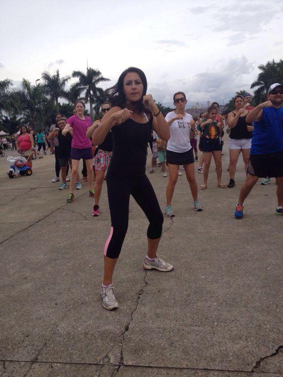 Aula de FIT fugir no parque. Mega engajadas as meninas do @terapiacasamigas.