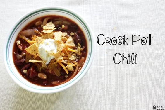 Healthy Crock Pot Bean Chili. Vegetarian