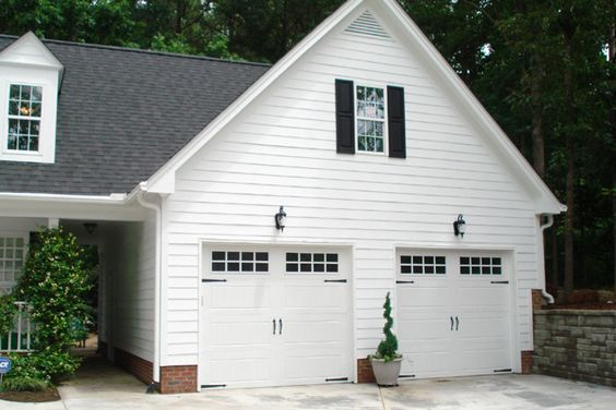 Attached garage-roof line and breezeway?: