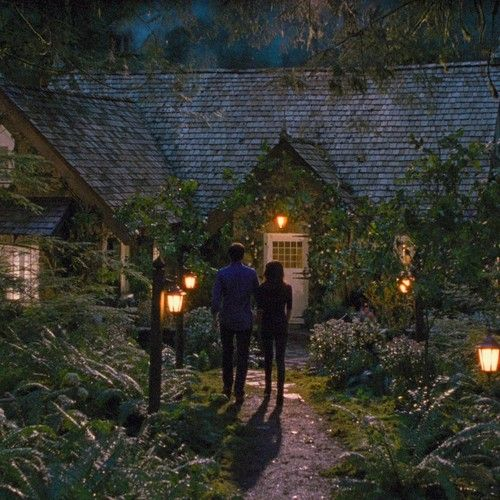 I suppose if someone could read my mind the Breaking Dawn cottage would be pretty close.