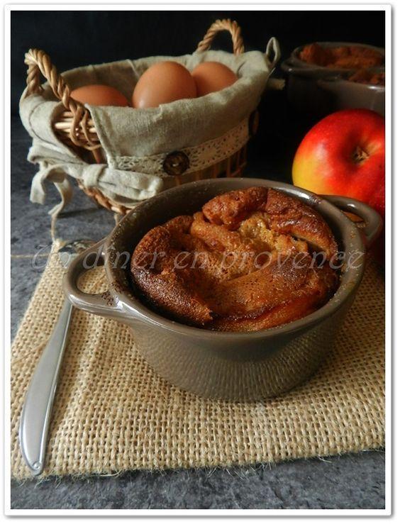 Petits clafoutis aux pommes, spéculoos et vanille