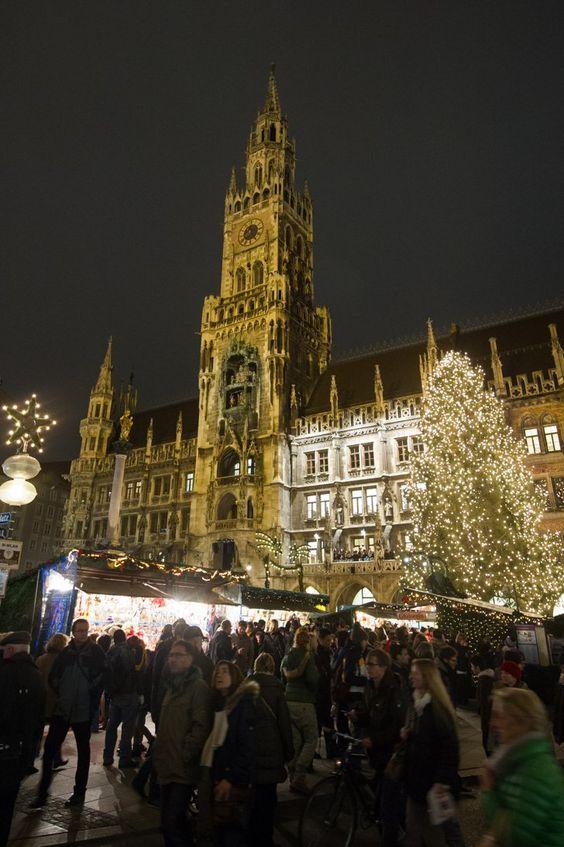 Pin for Later: Tour du Monde des Plus Belles Décorations de Noël  Marché de Noël de Munich.