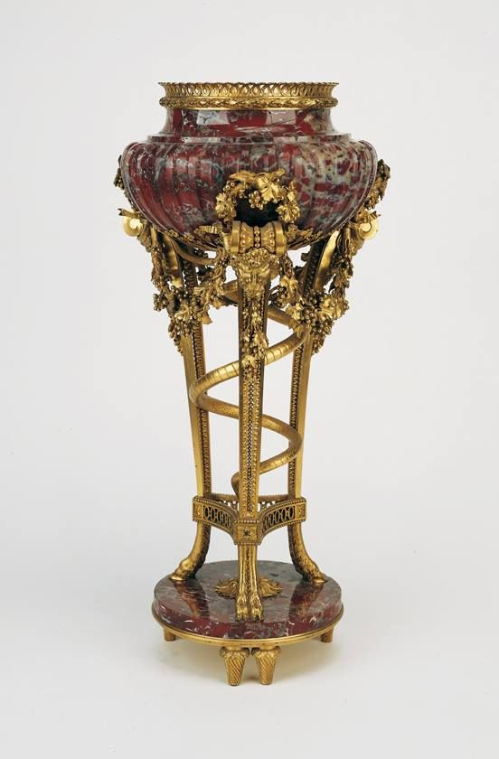 Perfume stand procured in 1782