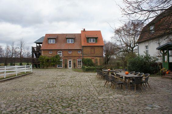Falkenhain: Kinderhotel/Mädchenhaus