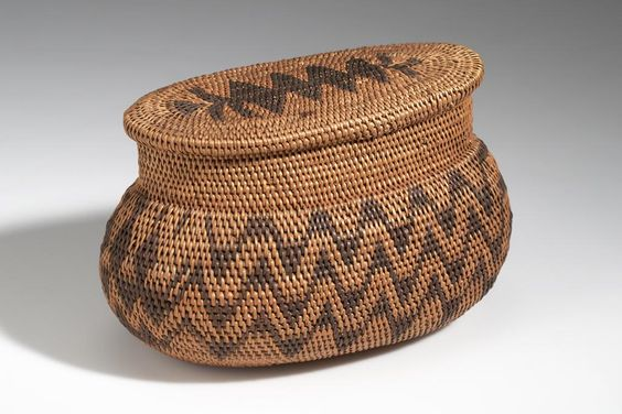 BASKET AFRICAN ETHNOGRAPHIC COLLECTION Catalog No: 90.0/ 710 AB Field No: 434 Culture: LOZI? (BAROTSE?) Locale: BAROTSELAND, LEALUI Country: ZAMBIA? Material: PLANT FIBER, WOOD, DYE Dimensions: A) L:24 W:15 H:14.2 B) L:20.5 W:11.5 [in CM] Acquisition Year: 1907 [PURCHASE] Donor: DOUGLAS, RICHARD