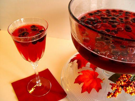 pretty & easy: sprite, cranberry juice, frozen berries!