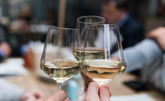Calici infrangibili per #catering #cantine #enoteche #wine #food #vino #brindisi #tavola #style #restaurantdesign #bicchieri