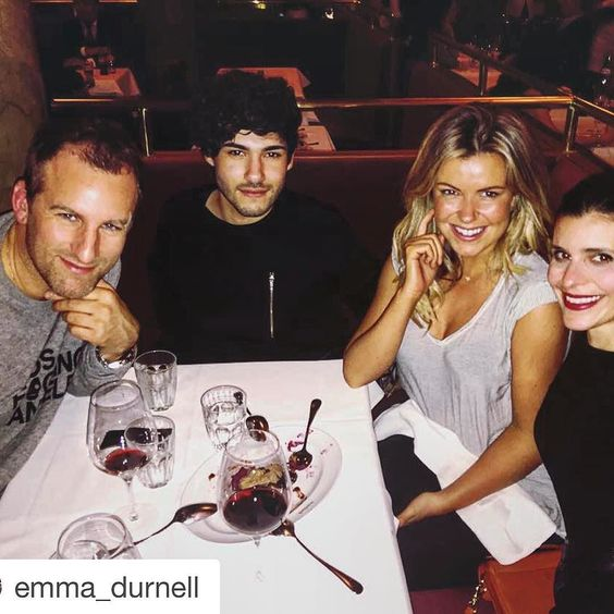 Lovely eve  @emma_durnell #repost  The @iconic_mgmt boys take two divas to dins tonight  by ingonolden