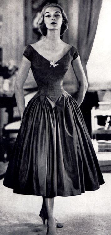 Jean Patchett 1950 | #fifties #vintage