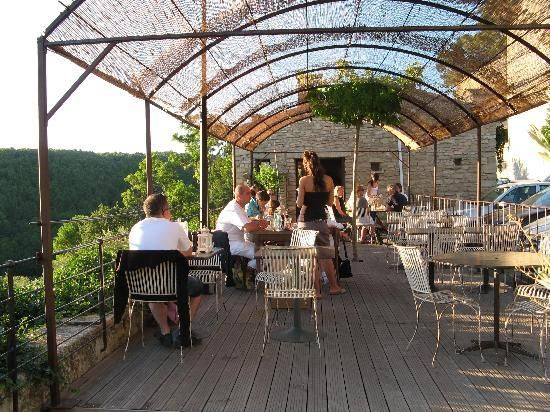 Bistrot de Saumane - with a fantastic outdoor dining area and view overlooking the valley
