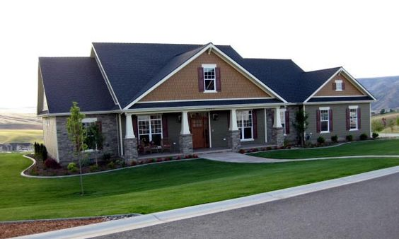 Cottage country craftsman house plan 59947 3 car garage for Country craftsman home plans