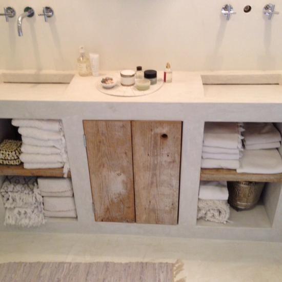 faire une porte de meuble de salle de bain en bois de récup