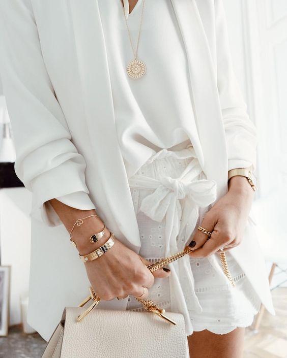 White & Gold #outfit #outfitoftheday #details Blazer #zara Blouse #songelab Short #zara Jonc #emmaetchloe #leagallibijoux #padampadamparis…
