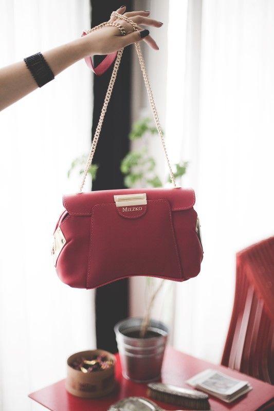 Bolsas em couro, em modelos lindíssimos: shop.miezko.com