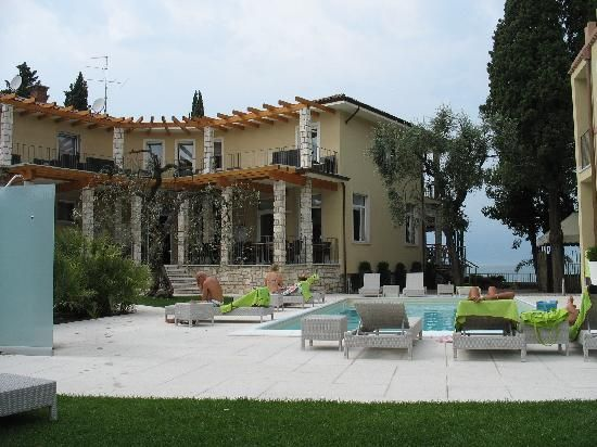 Ein Tipp von meiner Freundin Verena :) Hotel Baia dei Pini Torri del Benaco http://www.baiadeipini.com