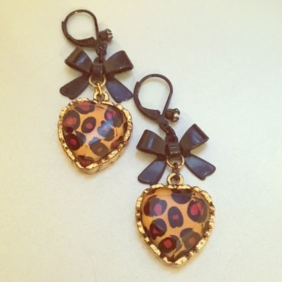 Betsey Johnson Dangle Earrings Cheetah print heart earrings with black bow and small gem! Gently used with no signs of wear! Make me an offer  Betsey Johnson Jewelry Earrings