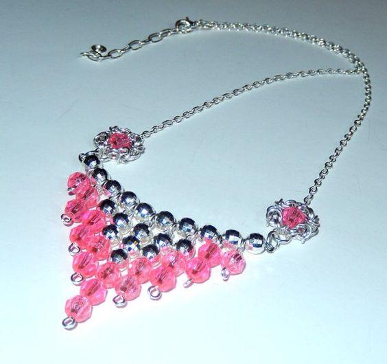 Rosa y plata con cuentas collar babero neckace por NezDesigns