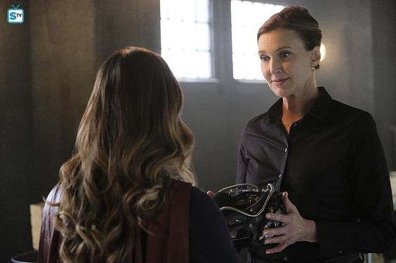 """Supergirl """"The Darkest Place"""" S2EP7"""