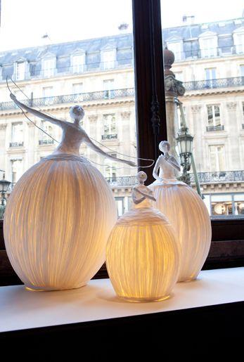 Sophie Mouton-Perrat et Frédéric Guibrunet   paper lamp sculptures