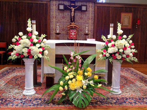 Altar flowers church weddings and church wedding for Altar wedding decoration