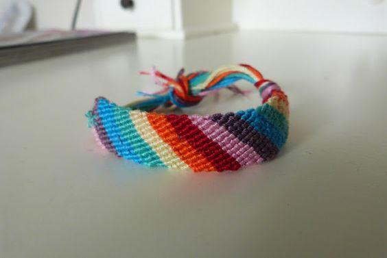 Something about Sofia: DIY  Friendship bracelets