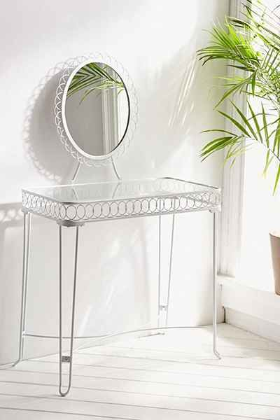 Plum & Bow Wire Loop Vanity - Urban Outfitters