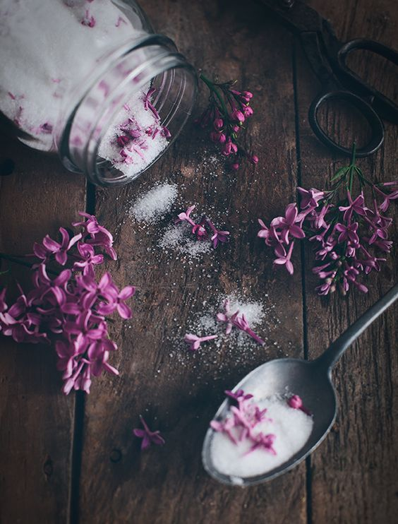 Lilac Sugar - Layer flowers and sugar in a jar. Let stand dark and cool for a few days, shake every now and then. Then your sugar is ready to use. Perfect for baking or in a cup of tea.:
