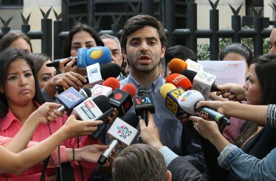 Voluntad Popular presentó ante la OEA documento que evidencia represión y violación de DDHH del régimen de Nicolás Maduro - http://bit.ly/2dWDNyX