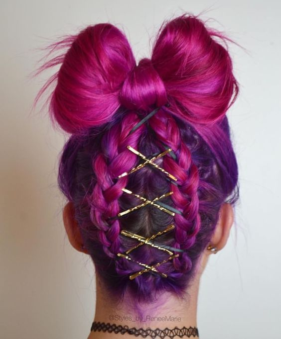 Bow and corset braided hair by @styles_by_reneemarie  Tag a friend who would love this hairstyle! #hairspiration
