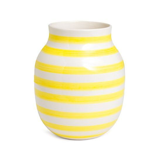 omaggio vase gul medium k hler interior pinterest medium yellow and vase. Black Bedroom Furniture Sets. Home Design Ideas