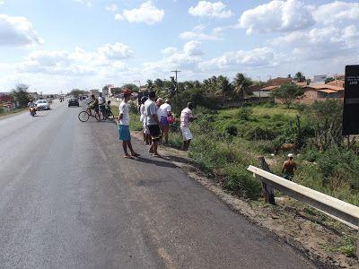 HORA DA VERDADE: URGENTE: Acidente envolvendo dois veículos deixa p...