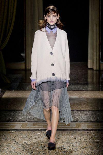 MMD FW 2014/15 – Aquilano.Rimondi. See all fashion show on: http://www.bmmag.it/sfilate/mmd-fw-201415-aquilano-rimondi/ #fall #winter #FW #catwalk #fashionshow #womansfashion #woman #fashion #style #look #collection #MMDFW #aquilanorimondi @Aquilano.Rimondi Fan