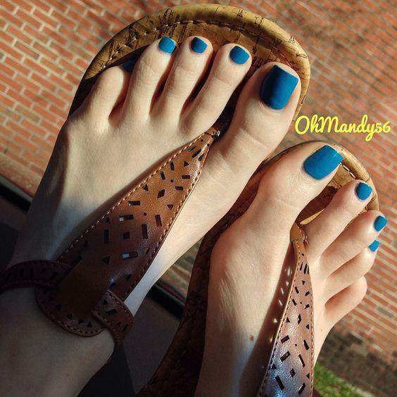 Flip flops footjob - 2 2
