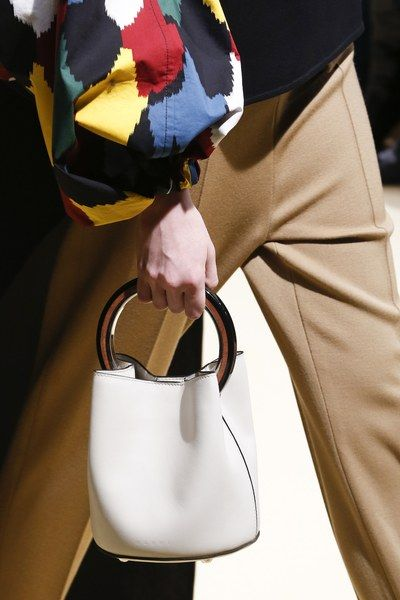 Marni Fall 2016 Ready-to-Wear Accessories Photos - Vogue: