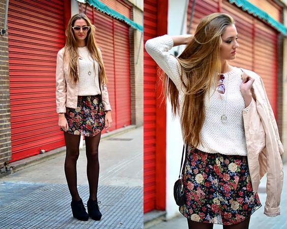 Vestir en otoño con prendas de verano gracias a los vestidos de flores.