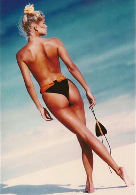 Yolanda Hadid's Hottest Throwback Modeling Snaps ...